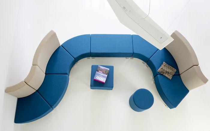 meble recepcyjne,system siedzisk,siedziska do poczekalni,SNAKE