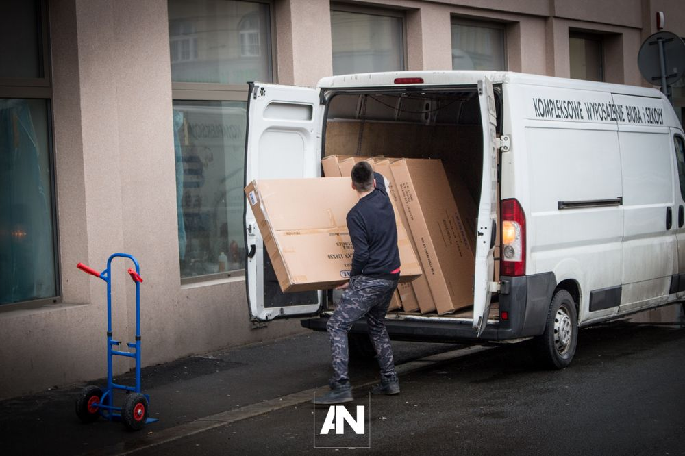 Czechy Ostrawa - dostawa mebli i krzeseł