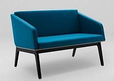 Sofa FIN 2 z podłokietnikami - drewno